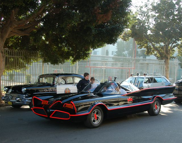 well after a few years of trying to get a group of star cars in the hollywood parade it finally happened last sunday nov 30th 2009