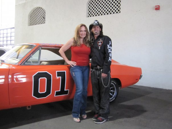 Charger Steve and Daisy Duke - Catherine Bach
