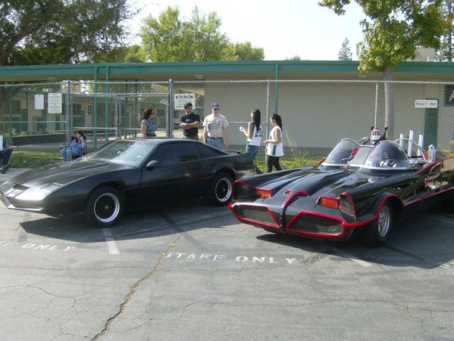 batmobile and KITT benchwarmer