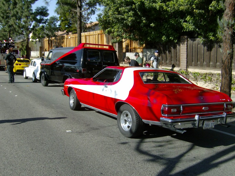 2010 Camarillo Christmas Parade Brings Out The Star Cars Star
